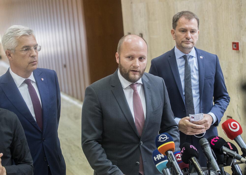 Left to right: Foreign Minister Ivan Korčok, Defence Minister Jaroslav Naď, PM Igor Matovič