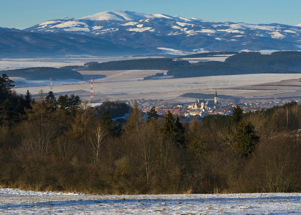 Town of Levoča and Kráľova Hoľa in the background
