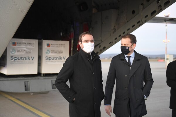 Health Minister Krajčí and PM Matovič at Košice airport