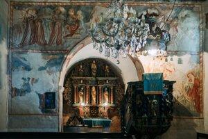 Frescoes in the Kyjatice church.