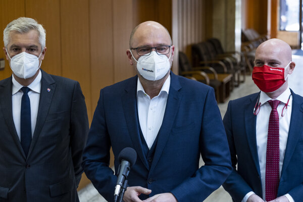 """We have returned to point zero,"" SaS leader and Economy Minister Richard Sulík (middle) told journalists on Friday, March 12."