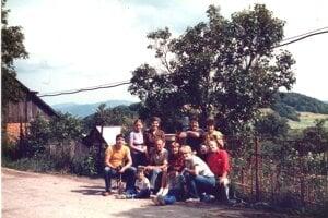 Cynthia Sandor, her parents and her Slovak family on a farm near Zvolen in the early eighties.