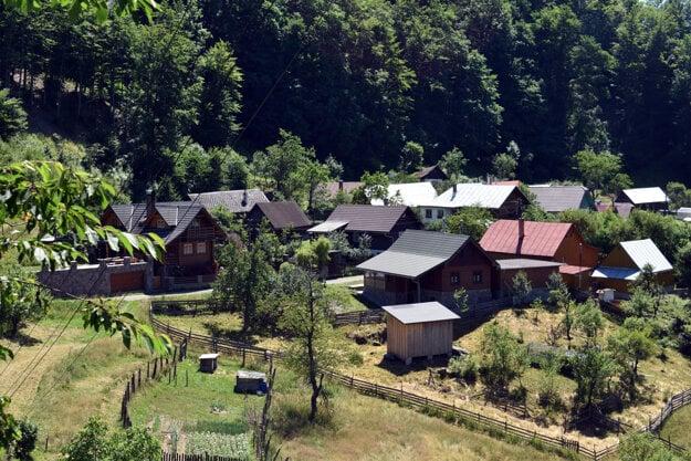 The Kýčera settlement in the hills near Čadca.