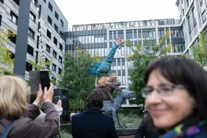 The new Bratislava sculpture is made of coloured bronze, its height is almost five metres, and it weighs two tons.