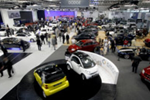 Small manufacturers as well as the big players are taking advantage of car shows.