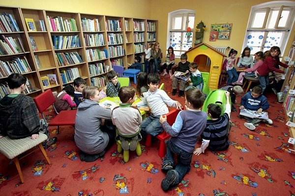 Libraries want to attract readers of all generations