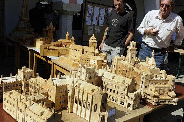 A 2009 curiosity recordholder - toothpick buildings!