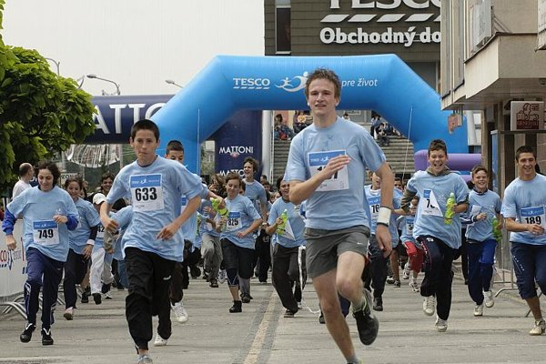Runners take off in Nitra's Run for Life on June 6.