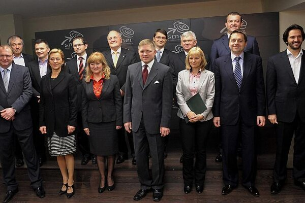 Robert Fico (centre) and his new shadow cabinet.