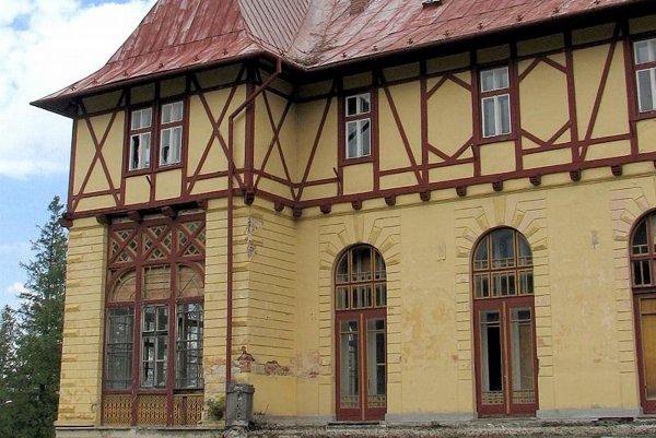 The abandoned Lomnica Hotel in Tatranská Lomnica.