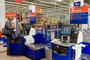 Slovak food inspectors imposed fines on Tesco.