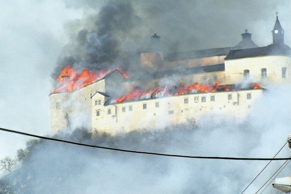 Krásna Hôrka Castle ablaze.