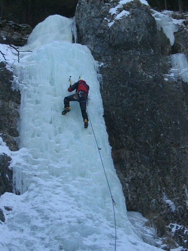 Climbing an icefall in Slovenský raj.