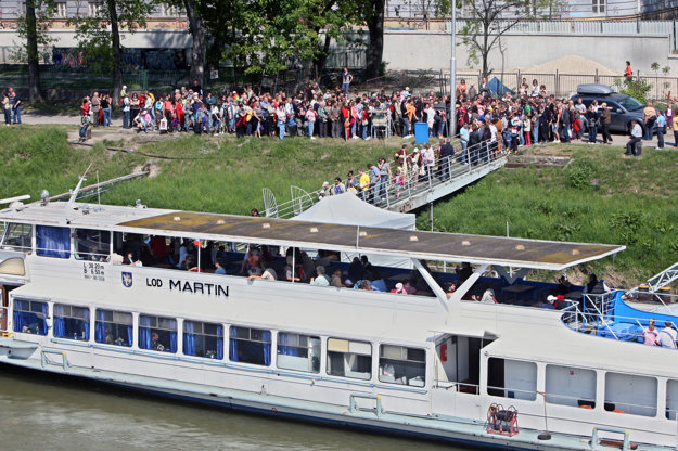 Previous years of Bratislava pre všetkých attracted also by boat trips.