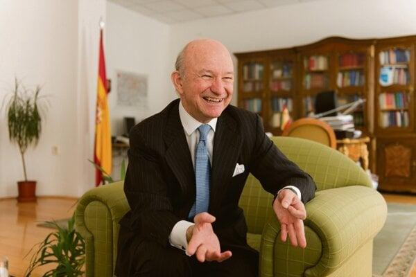 Ambassador Félix Valdés