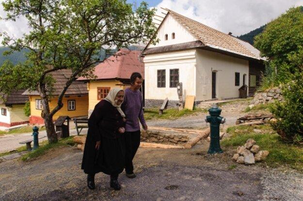 Life in Vlkolínec