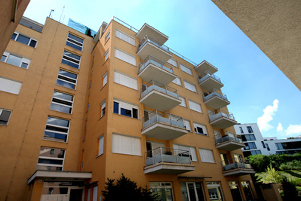 In this complex In Tupého Street construed by Bašternák, two prosecutors own flats, and Martin Glváč´s close ones´ company resides.