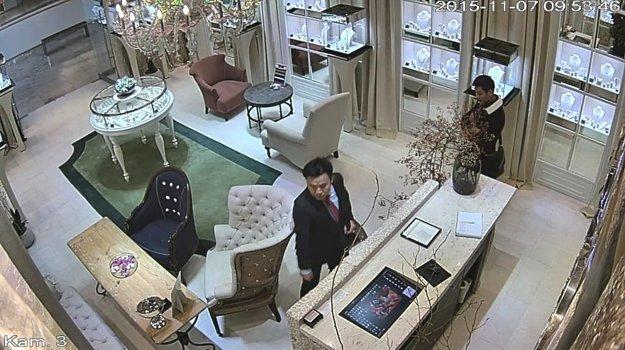 Suspects in the ALO Diamonds boutique.