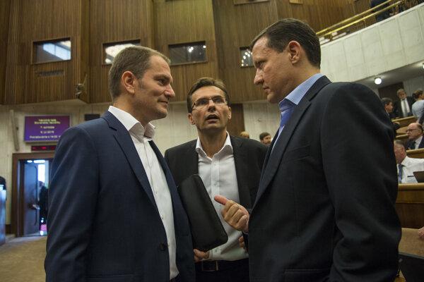 l-r: Igor Matovič (OĽaNO-NOVA), Ľubomír Galko (SaS) and Daniel Lipšic (OĽaNO-NOVA)
