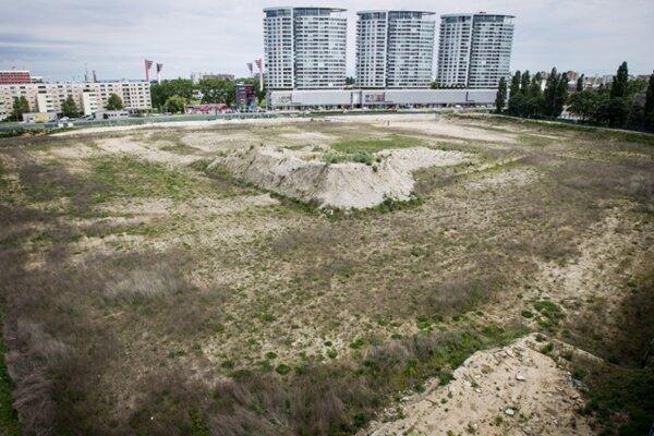 Plot of the National Football Stadium