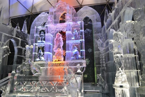 The altar and sculptures of ice cathedral
