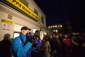 Strikers at PPS Group in Detva.