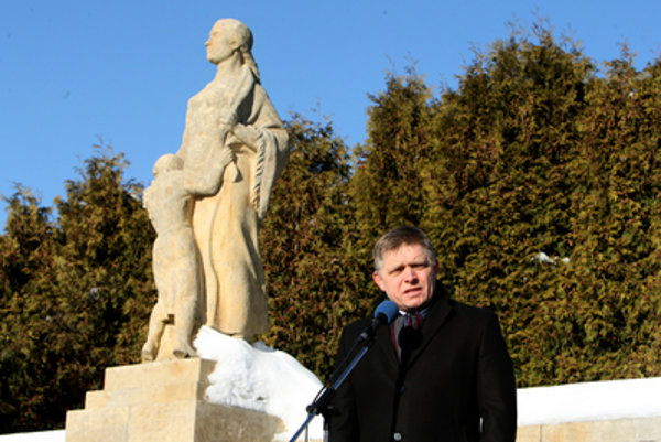 PM Fico holds a speech at the monument in Kľak.