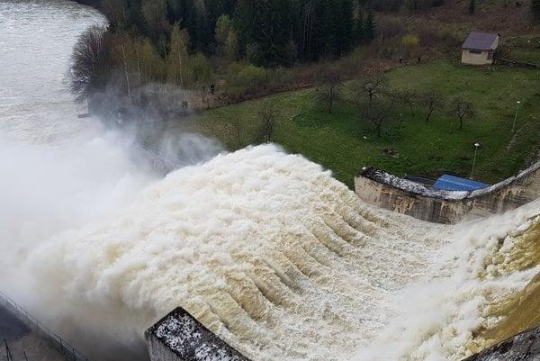Emptying of the Orava Dam is impressive.