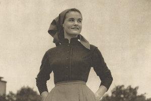 Clothes for a Farmer Woman, Móda – textil magazine, 1955