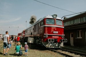 The historical diesel engine T 679.1312, dubbed Sergey