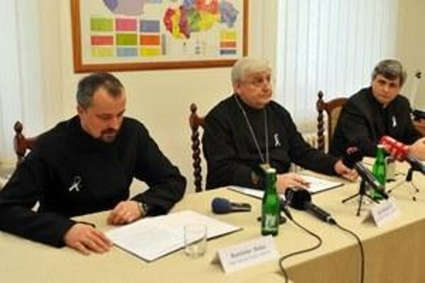 l-r: Greek Catholic Priest Rastislav Baka, Archbishop Ján Babjak, spokesperson for the Prešov Archbishopric Ľubomír Petrík