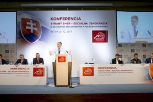 Robert Fico speaking at the Smer conference in Nitra.