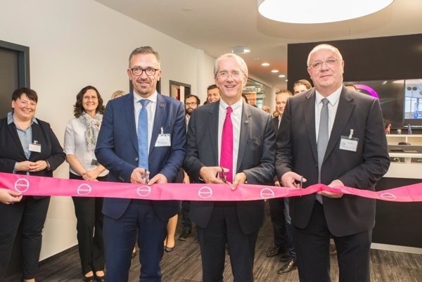 Ceremonial opening of the transaction centre in Bratislava