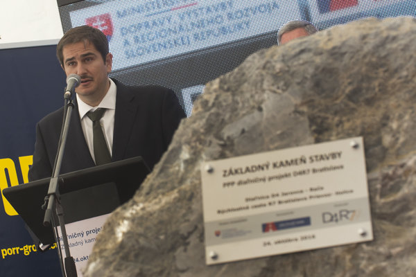 Ceremonially tapping the foundation stone in Šamorín took place in October 2016.