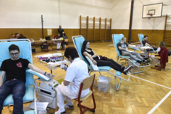 Young people who joined the Valentine's Blood Drop last year in Nové Mesto nad Váhom