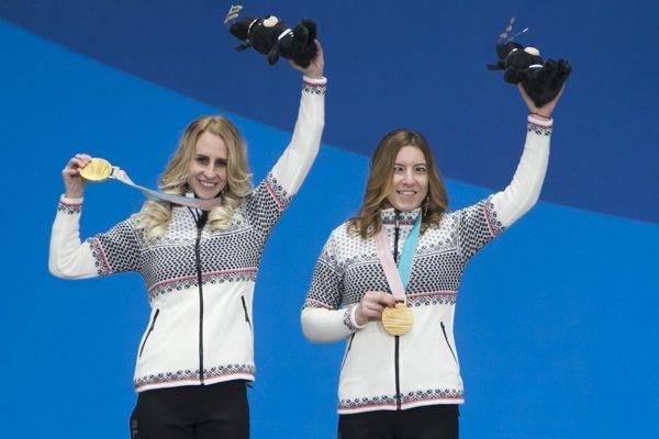 L-R: Guide Natália Šubrtová and the msot successful Slovak Paralympic athlete, Henrieta Farkašová,