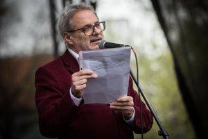 Journalist Marián leško held a speech at the April 15 protest in Bratislava.