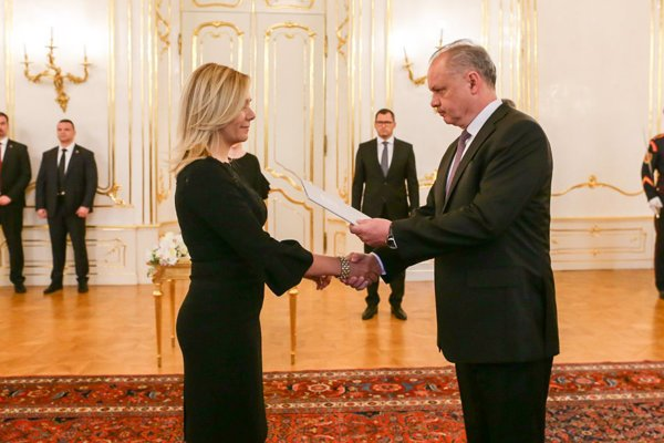 President Andrej Kiska (r) officially appoints Denisa Saková the interior minister.