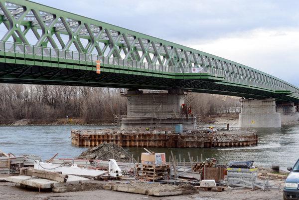 The new 'Old Bridge' in Bratislava.