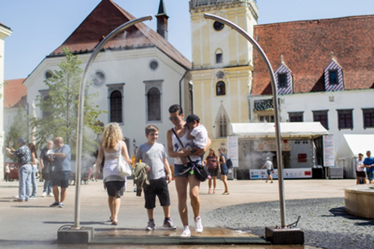 Bratislava babb4c3a365