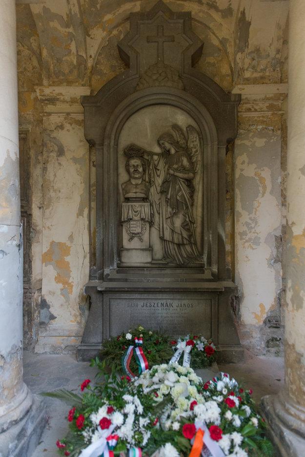 The tomb of János Jeszenák