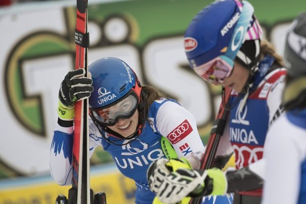 Petra Vlhová (right) beat Mikaela Shiffring in parallel slalom in Oslo.