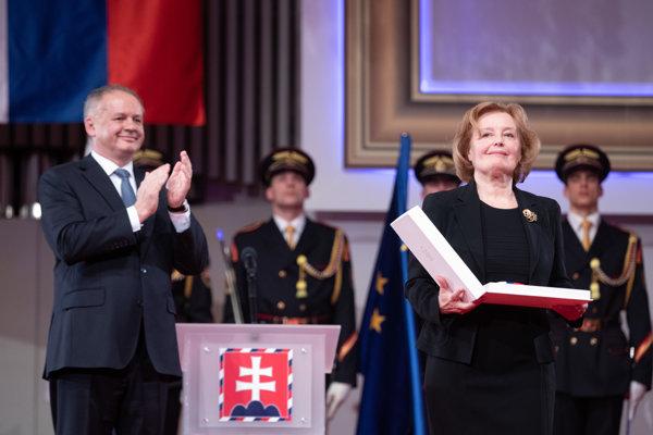 President awards former politician Magda Vášáryová.