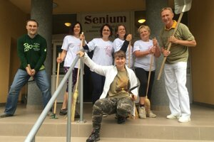 Volunteers in the house of seniors and social services Senium in Banská Bystrica.