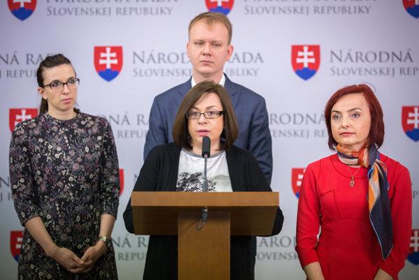 Beblavý, Macháčková, Petrík, and Zimenová quit Sieť on March 17.