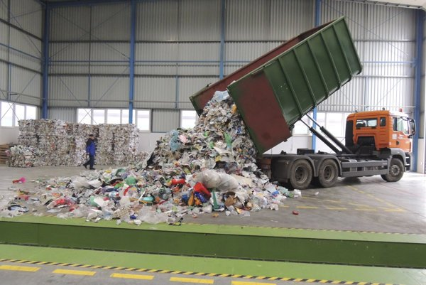 Waste or material for recovery?