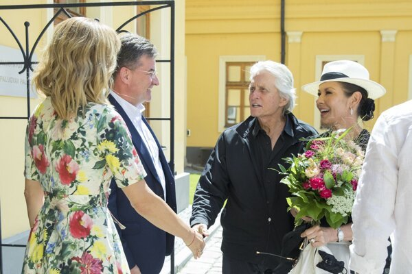 Michael Douglas and Catherine Zeta-Jones met with Slovak Foreign Affairs Minister Miroslav Lajčák and his wife.