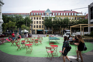 The new look of Komenského Square.