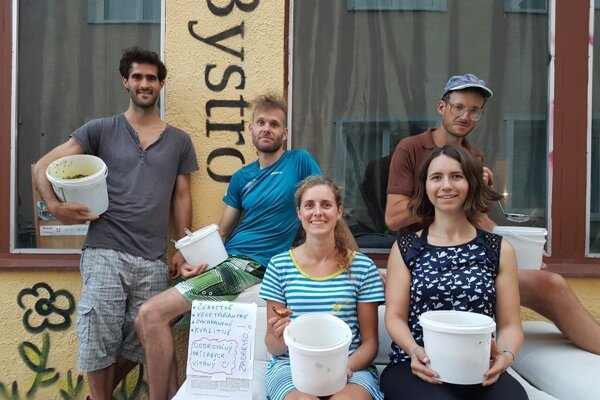 "Nicolas Giroux (L) and the ""food savers"" of Bystro."