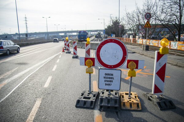 A traffic restriction is in place between Bajkalská Street and Prístavný Bridge in Bratislava from February 16 until February 24.